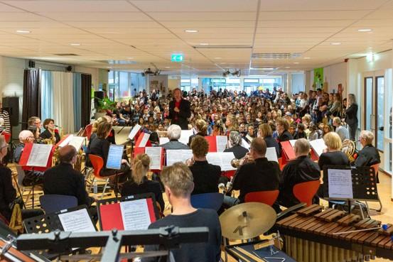 Schilderijen gaan leven door Hoorns Harmonie Orkest