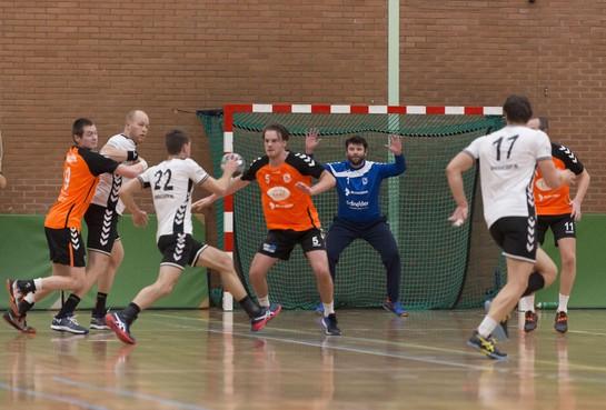 Handballers HVV '70 verspelen een 13-6 voorsprong en spelen alsnog gelijk