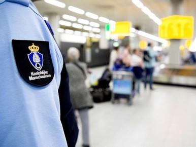 Man aangehouden voor valse bommelding Schiphol
