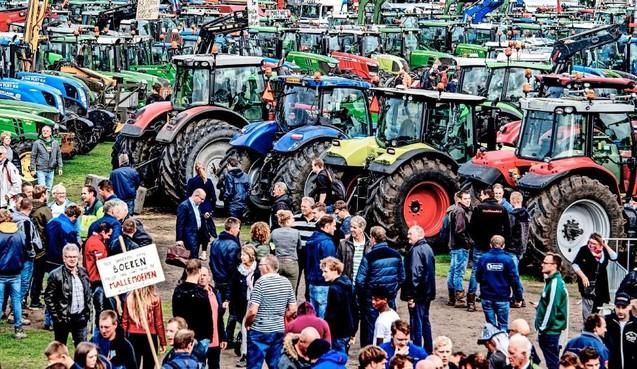 Boze boeren willen dat na Friesland ook andere provincies hun beleidsregels over stikstof weer intrekken