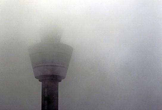 Mist hindert vliegverkeer op Schiphol