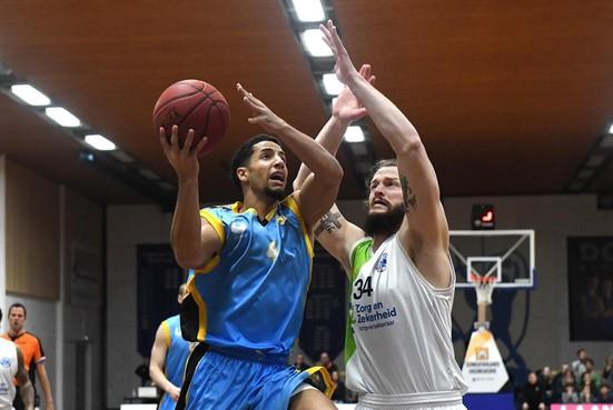 Leon Williams verlaat Den Helder Suns en tekent voor twee jaar bij Donar in eredivisie basketbal