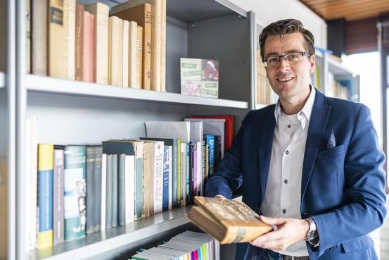 De Nederlandse letterkunde in de achttiende en negentiende eeuw: van moralistisch naar individuele emotie