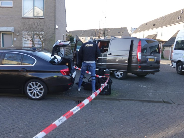 Verwarde man breekt eigen woning af in Alkmaar [video]