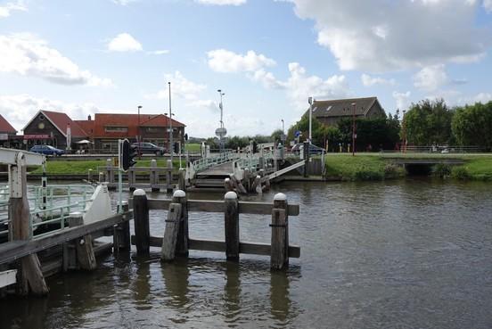 Vlotbrug in Burgervlotbrug weer toegankelijk voor fietsers en voetgangers