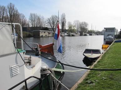 Woonbootbewoners willen referendum over Bestevaerbrug