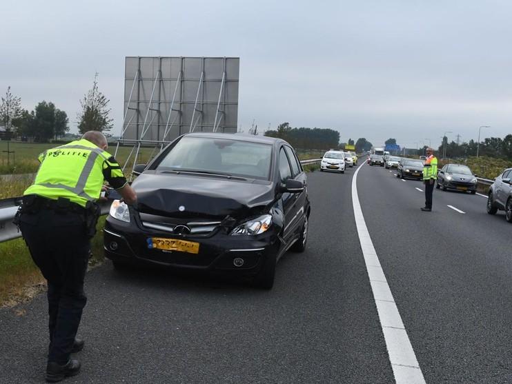 Dekzeil zorgt voor ongeluk op A44
