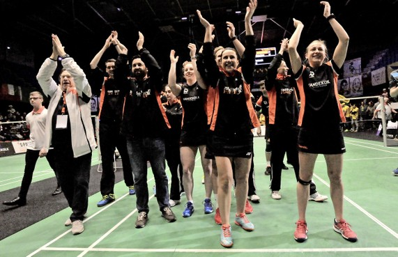 Terugblik met badmintonster Selena Piek op veroveren landstitel: 'Een échte finale, met alles erop en eraan'