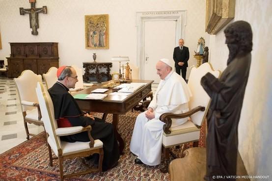 Paus aanvaardt ontslag Franse bisschop niet