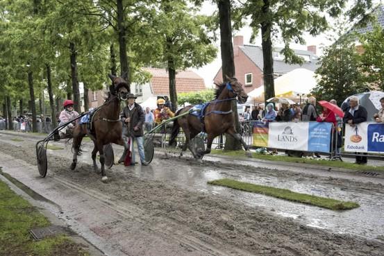 Regen kan publiek harddraverij Heemskerk niet deren