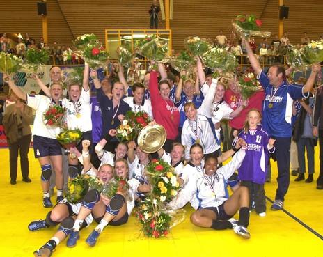 Bij Westfriesland SEW weten ze het zeker: 'In 2022 staan wij weer met de kampioensschaal'