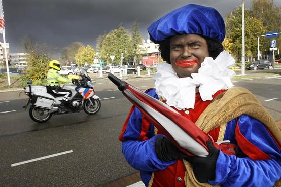 Demonstratie pro Zwarte Piet op Mediapark geen doorslaand succes