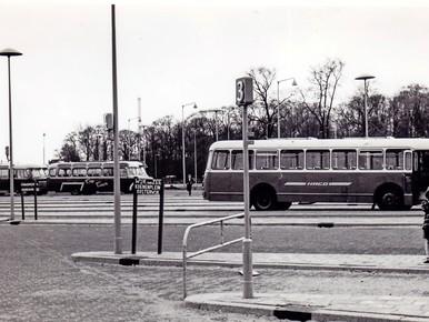 Het busstation, vermoedelijk in de jaren '60.
