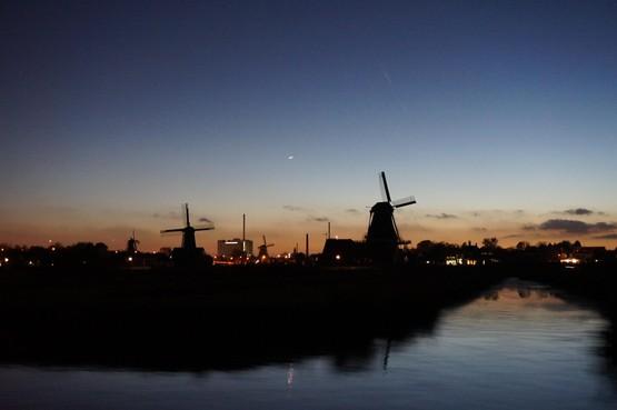 'Nacht van de Nacht' op Zaanse Schans met uilen, bootjes en museumtocht