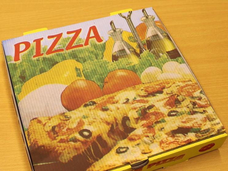 Hoofddorper (26) betaalt pizza met vals geld