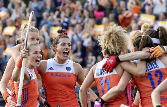 Pro League-wedstrijden slaan aan: Nederlandse hockeysters spelen in uitverkochte stadions [video]