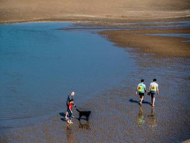 Reddingsbrigade waarschuwt voor koud zwemwater
