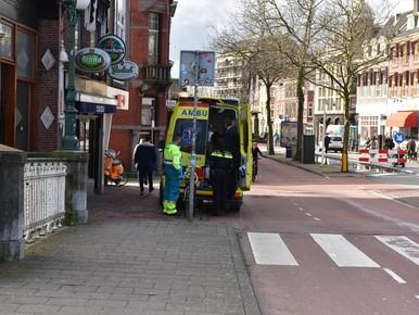 Fietser gewond bij aanrijding met bus op Kort Rapenburg