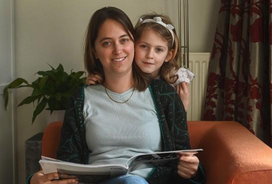 Leven van jonge moeder Naomi Bieri (36) uit Hoorn is veranderd in een nachtmerrie na val in de badkamer