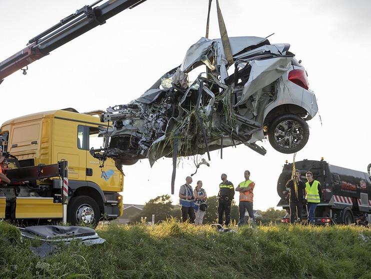 Drie doden bij ongeluk op N203 bij Castricum, tweetal uit Limmen zwaargewond [video]