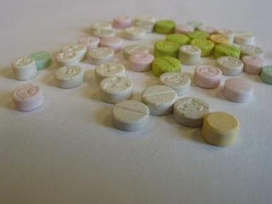 Wapens en drugs gevonden in Zaandam
