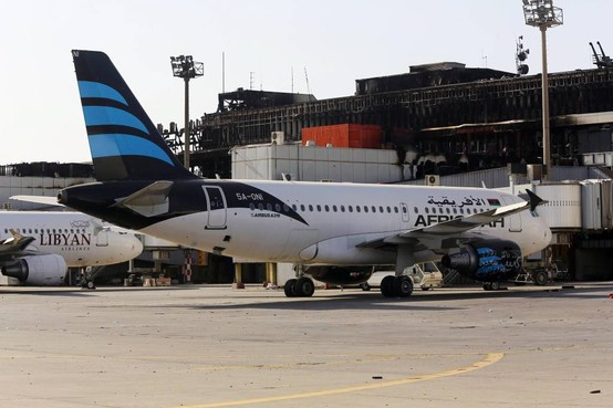 Vluchten naar Tripoli omgeleid na explosies