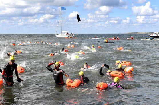 Zwemtocht Den Helder-Texel afgelast om weersvoorspelling