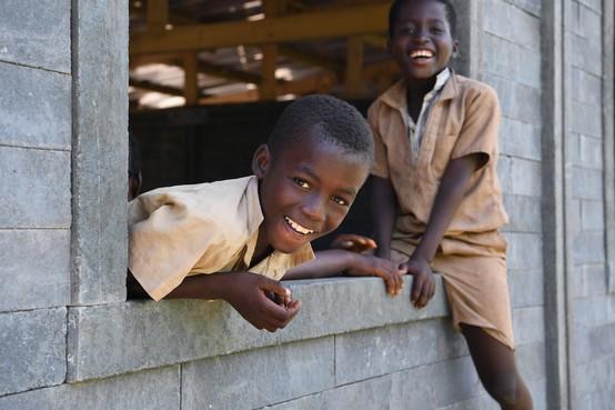 Plastic scholen en huizen bouwen in Afrika, Zuid-Amerika en Nederland