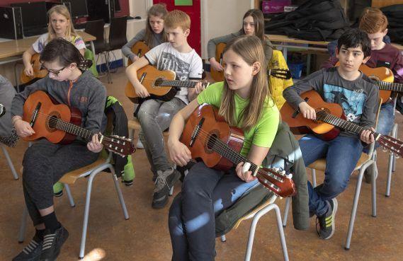Muziek en dans verbinden scholen Vondelkwartier Haarlem [video]