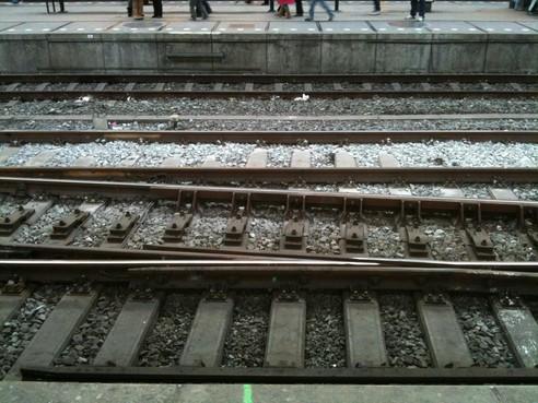 Treinverkeer tussen Alkmaar en Heerhugowaard hervat nadat vrachtwagen tegen viaduct rijdt