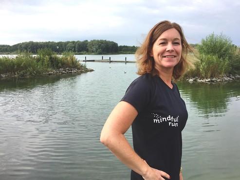 Onderweg: Rust vinden door mindfulness is helemaal niet zweverig, ontdekte Alkmaarse Brenda van Esch (45). Voorwaarde is wel dat je buiten bent. Want 'Buiten is beter'