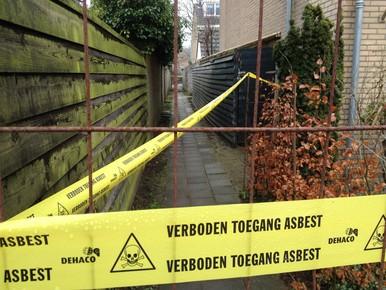 'Leiden moet meer doen aan asbestdaken'