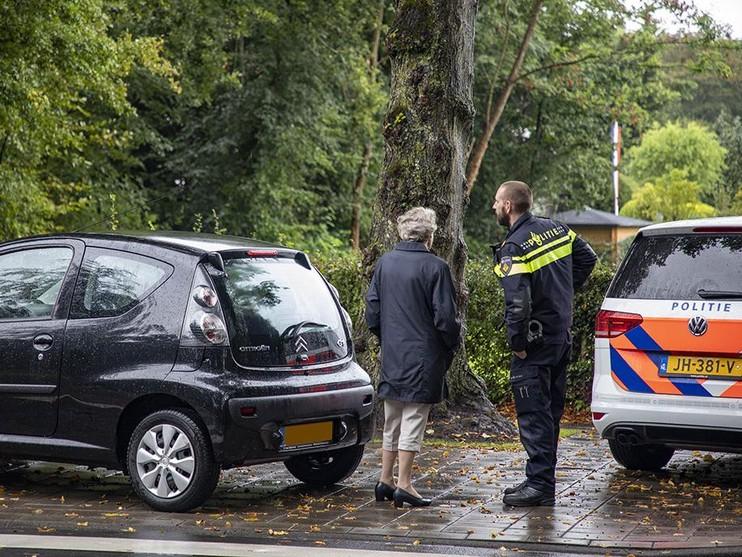 Fietser gewond bij aanrijding door automobiliste in Bloemendaal