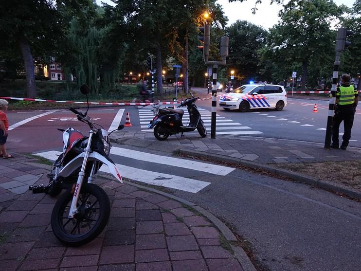 Gewonde bij botsing tussen scooters in Hoorn