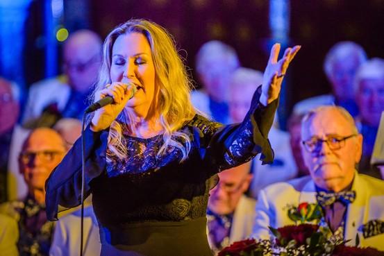 Boeiende vocale ode aan Toon Hermans in Zaandam