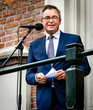 Zware kritiek op Wienen: 'Burgemeester krampachtig bij geheim rapport over misstanden op Haarlems stadhuis'