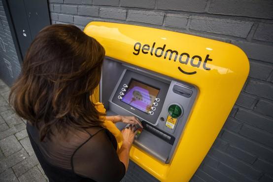Banken onthullen eerste 'geldmaat' in Soest: één automaat voor ABN AMRO, ING en Rabobank