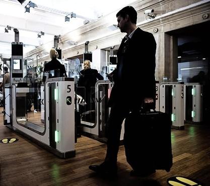 Strenge controles Eurostar op stations Amsterdam, Schiphol en Rotterdam
