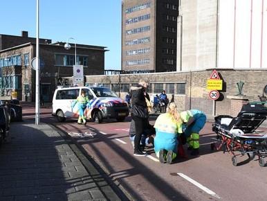 Scooterrijder gewond na eenzijdig ongeluk in Leiden