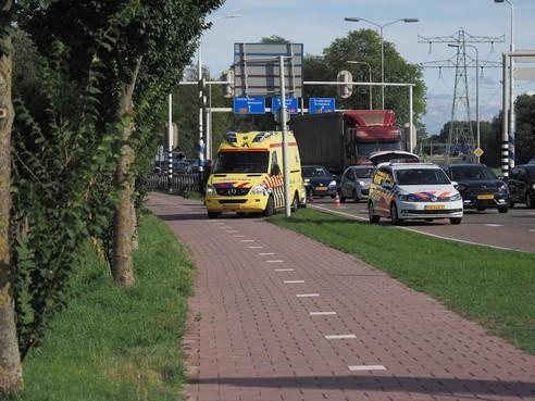 Vrouw gewond bij kop-staartbotsing Amsterdamseweg Velsen-Zuid