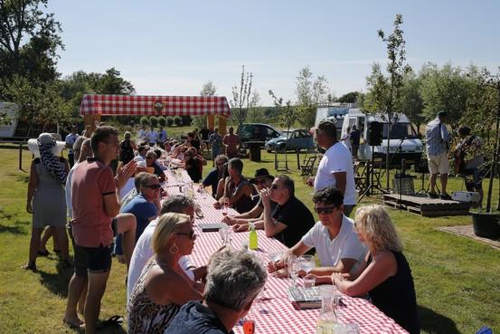 Eerste Kookfestival in Winkel levert vijf mille op voor De Westfriese Tafel