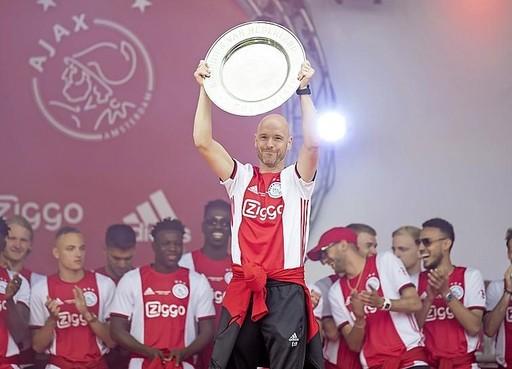 Ajax laat Ten Hag niet naar AS Roma vertrekken