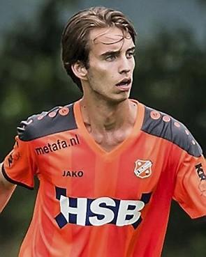 Nick Zeijlmans van Jong FC Volendam naar OFC