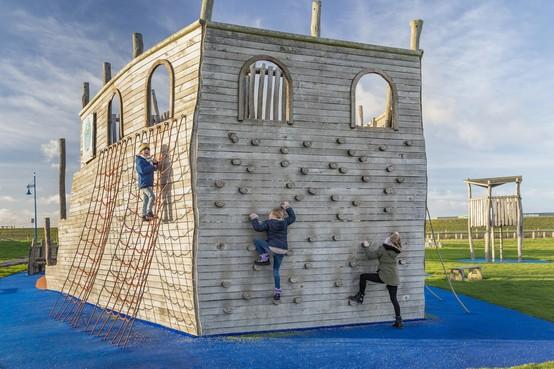 Renovatie voor speelschip bij Waddenhaven Texel