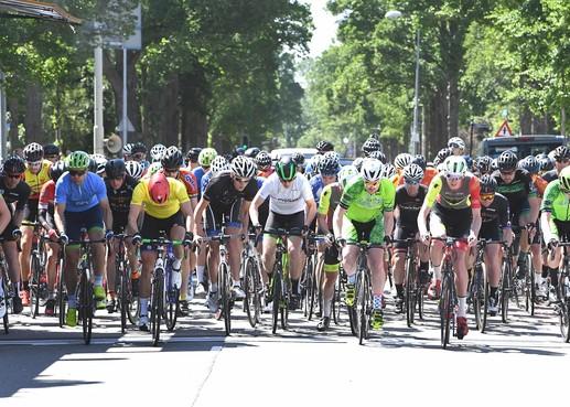 Viermaal blijkt scheepsrecht in Den Helder voor Tour-winnaar Kay Blokdijk