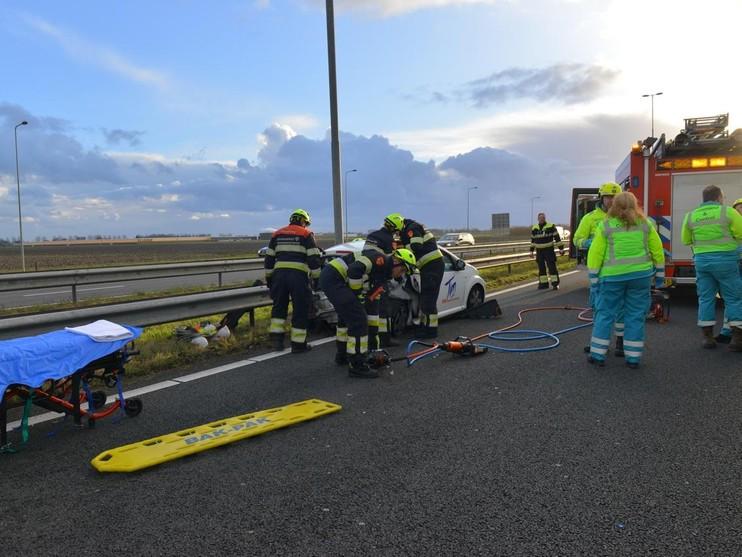 Drie auto's botsen op A4 bij Nieuw-Vennep