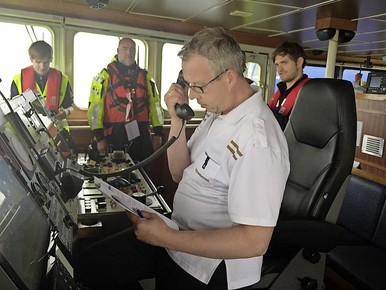 Oefenen met een tanker in nood voor Zandvoort [video]