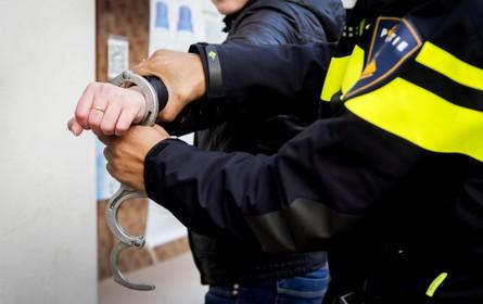 Kantoorpand Leiden doorzocht in onderzoek WW-fraude, aanhouding in Noordwijk [video]