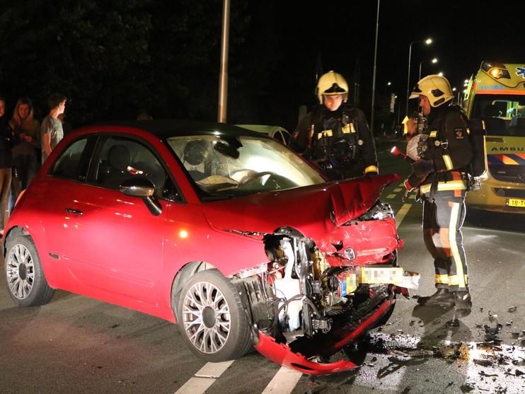 Twee gewonden bij frontale aanrijding in Voorhout