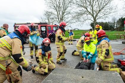 Zie ze eens gaan als de brandweer, bij de strijd om de Muus Tromp Bokaal Broek in Waterland